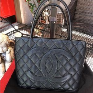Chanel caviar quilted Medallion tote
